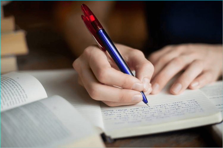 Know about thesis writing