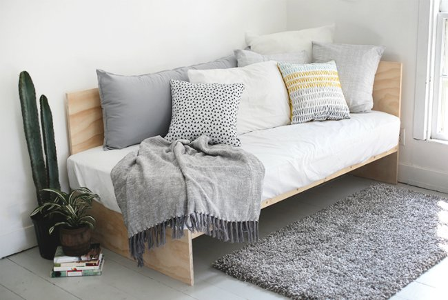 How to build a diy daybed?